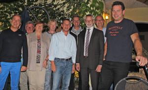 Der Vorstand der Dorfgemeinschaft mit Bürgermeister Dieter Freytag